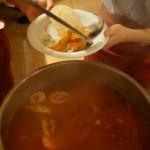 トマトも入った赤いスープです。